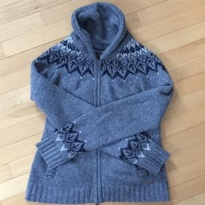 Roots Full Zip Sweater with Geese Design